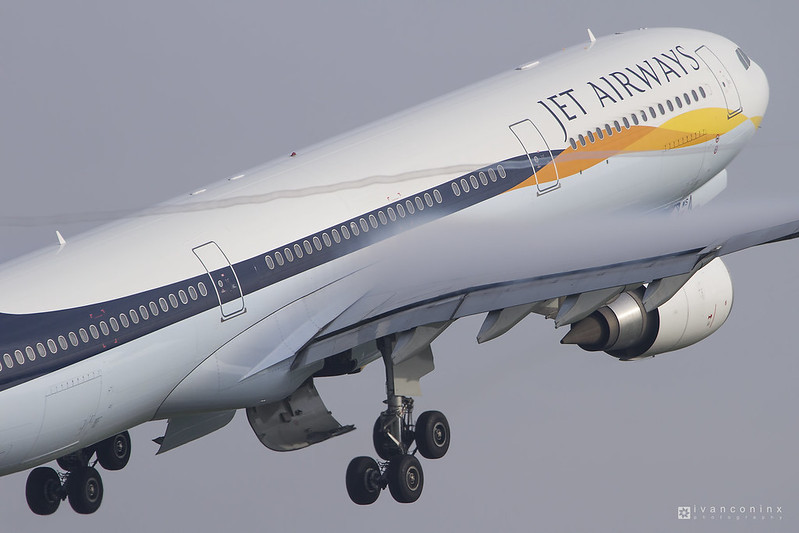 Airbus A330-302 – Jet Airways – VT-JWS – Brussels Airport (BRU EBBR) – 2015 10 12 – Takeoff RWY 07R – 01 – Copyright © 2015 Ivan Coninx