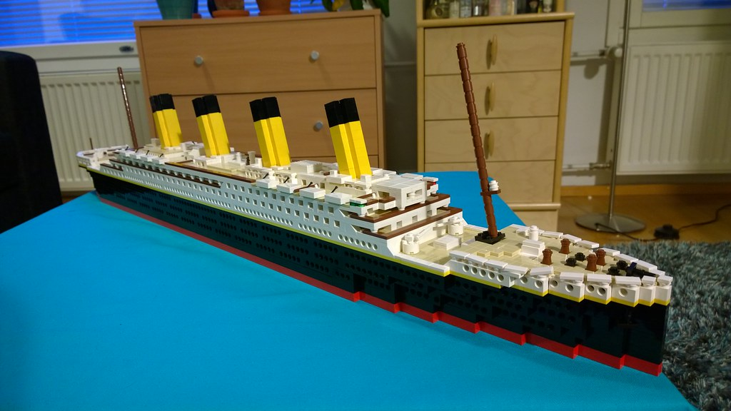 My Lego Titanic Finished Built A Huge True To Life Tita Flickr