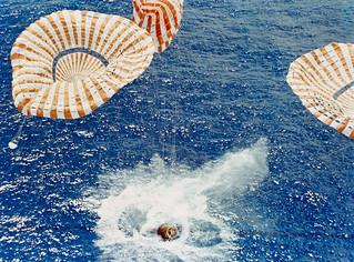 Apollo 15 Splashdown | (August 7, 1971) The Apollo 15 ...
