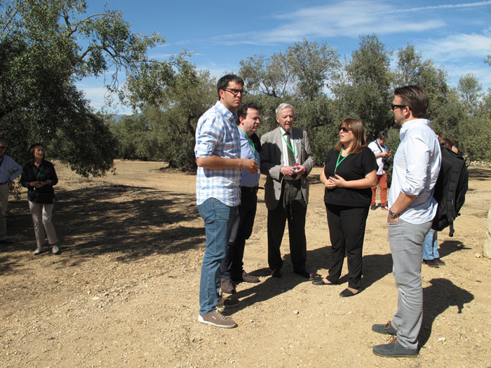 3. the sitting president of the Mancomunidad del Territorio del Sénia Rhamsés Sipollès Puig (Mayor of Morella) along with members of the Hispania Nostra Association and the Javier Hidalgo