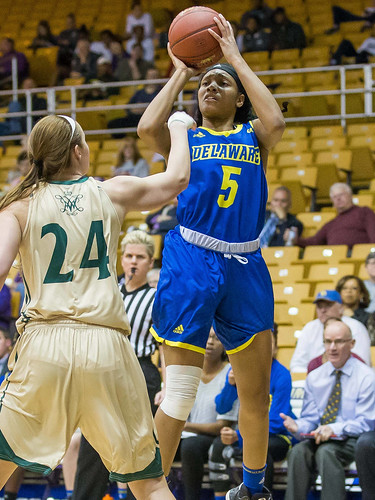 Women's basketball falls in first CAA tournament game