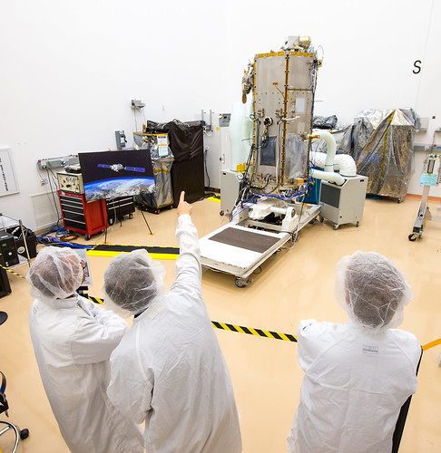 NASA Administrator Views OCO-2 Satellite (201308090009HQ ...