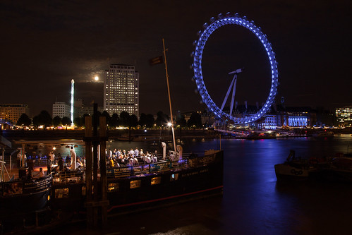 https://www.twin-loc.fr  London Eye sur la Tamise - Moonlight Clair de lune - photo picture image photography | by www.twin-loc.fr