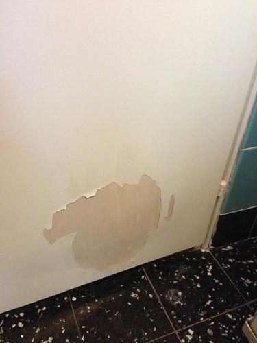 Salle de bains avant r fection 3 stephanie booth flickr - Refection salle de bain ...