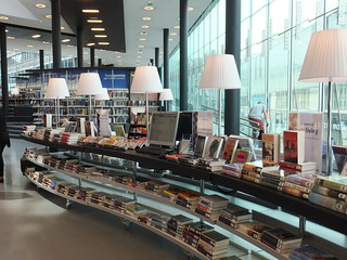 Rayonnages - De nieuwe bibliotheek, Almere, Pays-Bas | by Milieux_documentaires