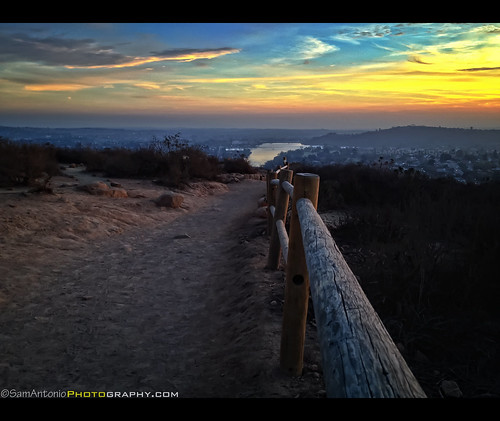 Hiking Tours Usa: Sunset View At Cowles Mountain