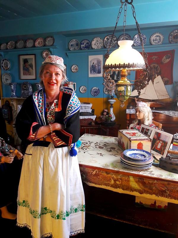 Marken vestiti tradizionali