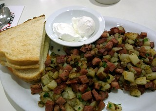 Corned beef hash at Lori's Diner | by Ruth and Dave