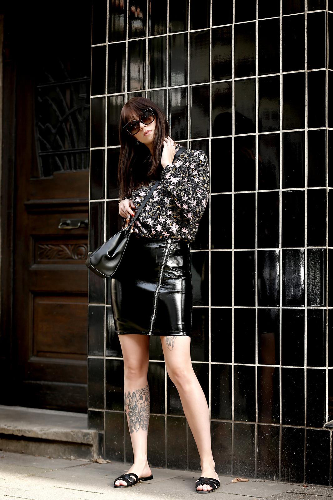 spring vibes vila floral blouse dress patent leather skirt asymmetric zipper gucci nymphaea bag saint laurent sandals cats & dogs ricarda schernus modeblogger fashionblogger outfit blogger 7