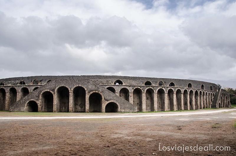 visita a Pompeya anfiteatro
