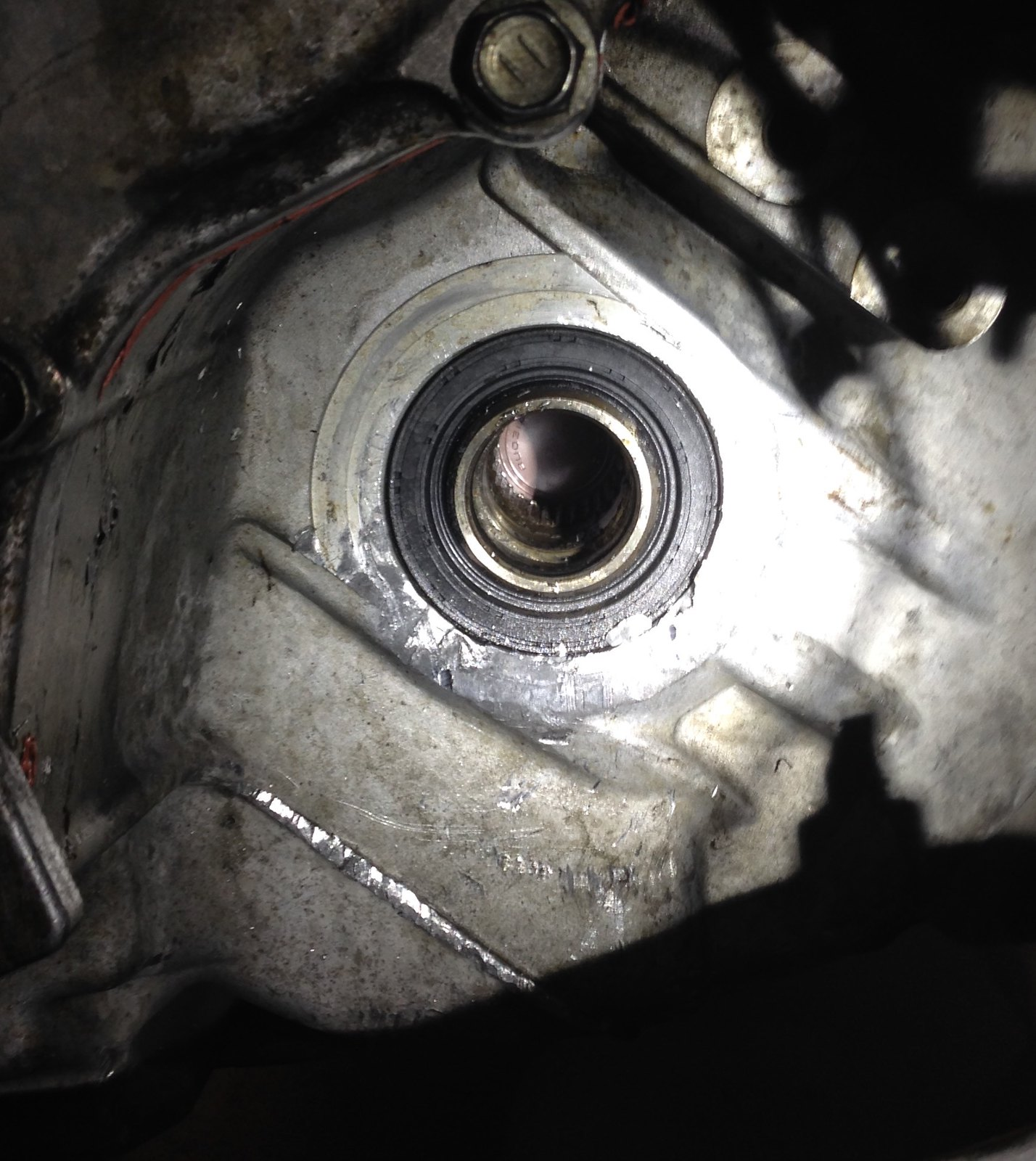 2002 Volvo S60 Transmission: Notice My Intermediate Shaft Splines Are Not Rusty At All
