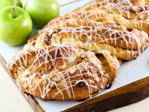Apple Cinnamon White Cake Loaf