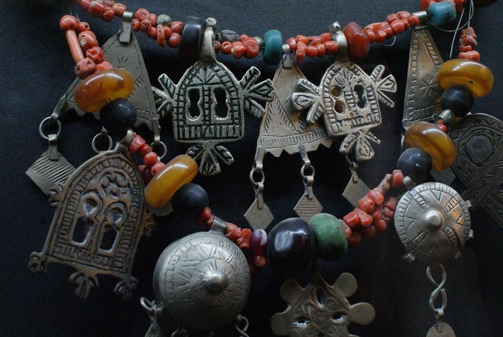 Bijoux dans le Musée de Marrakech, une des rares pièces de la collection méritant qu'on s'y attarde.