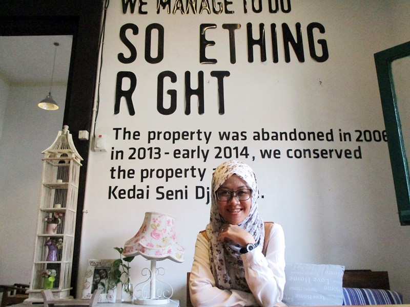 Dara at Kedai Seni Djakarta | Hola Darla