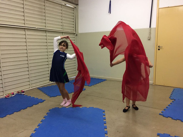 Aula de dança com véu - unidade da serra