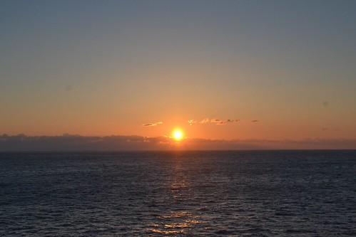 苫小牧〜仙台航路の日の出