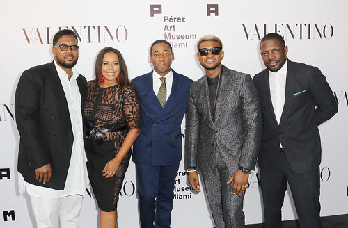Jayson Jackson, Jessica Sirmans, Franklin Sirmans, Usher and Jaha Johnson at PAMM Art Of The Party Presented By Valentino