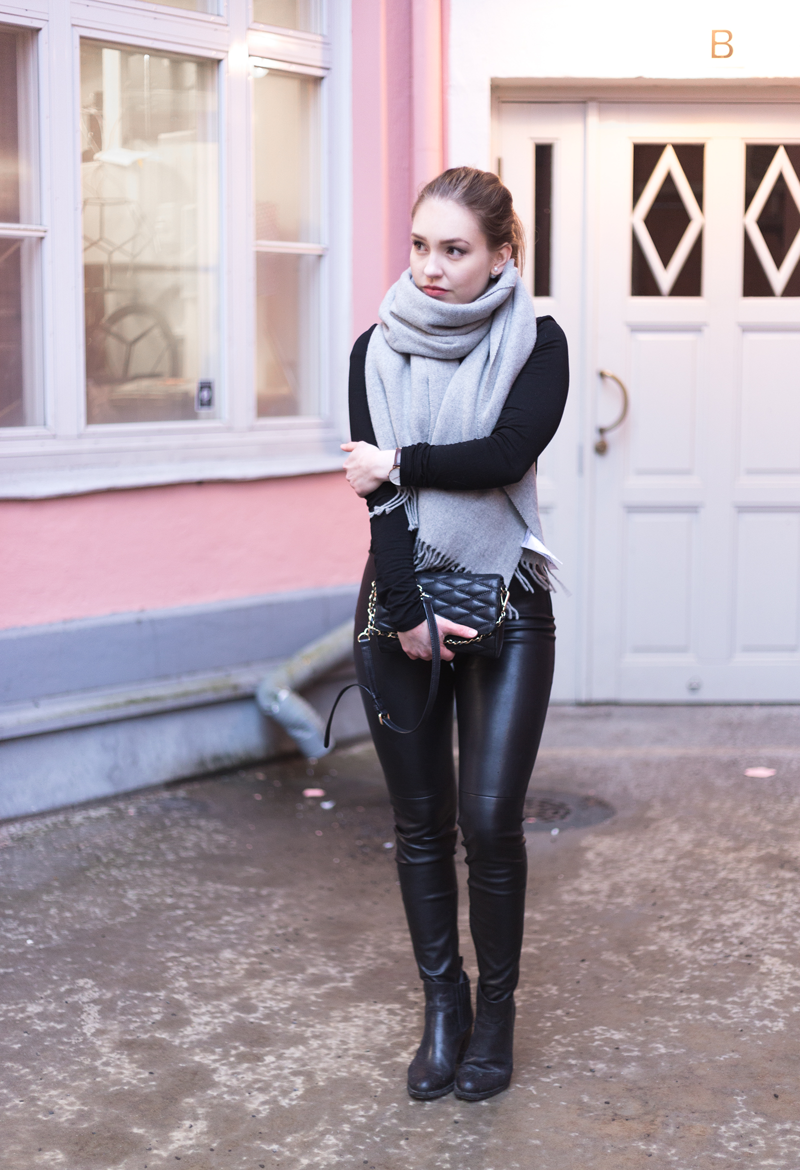 leatherpants7