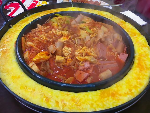 Yoogane Dak Galbi 1 Utama - Army Stew with Cheese Ring and Egg Wash