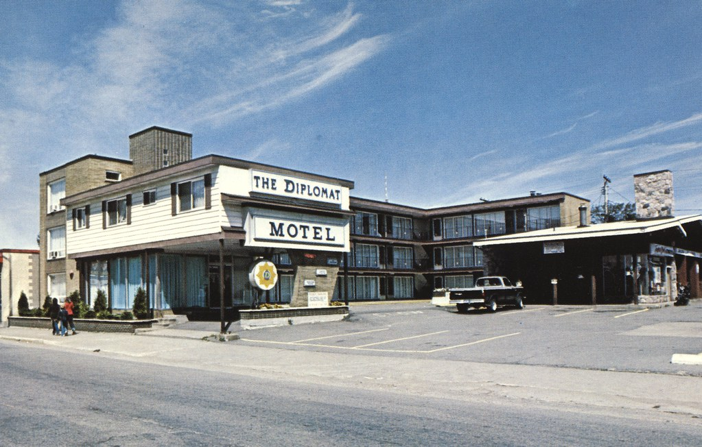 The Diplomat Motel - Sault Ste. Marie, Ontario