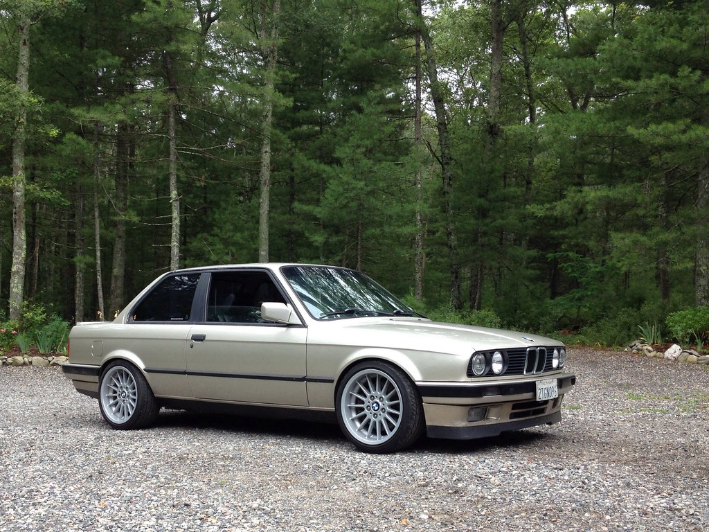 new pictures of my love (lowered e30) - R3VLimited Forums