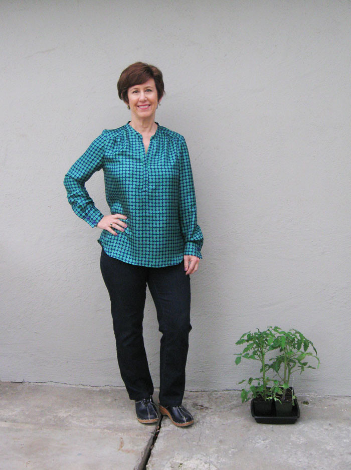 green NL blouse w tomato plants