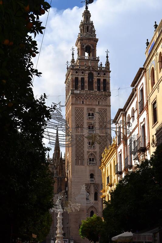 La Giralda vista desde la calle Mateos Gago