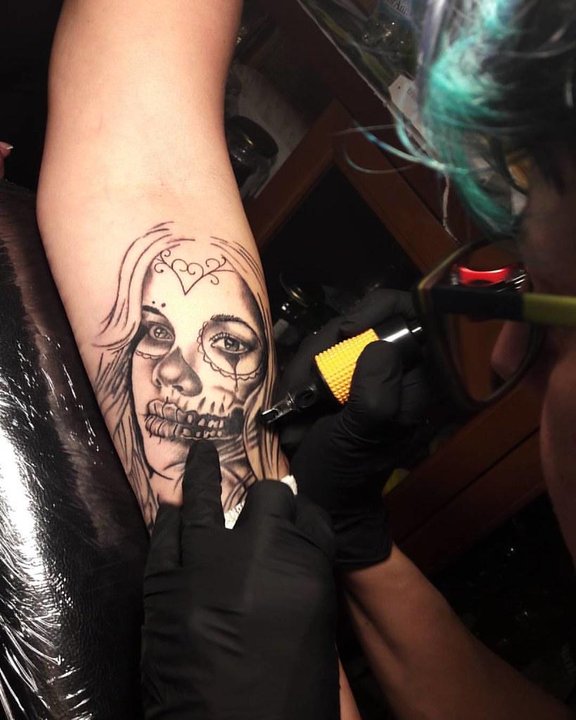 Tatuando Una Vera Amica At Alegaibotti73 Whatsapp 34778047 Flickr