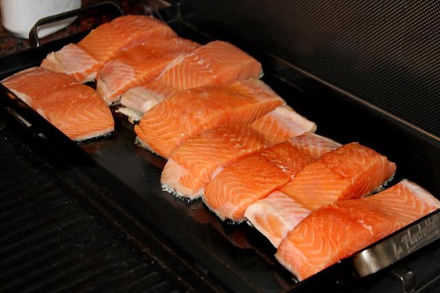 Salmon a la hoja de bananero con salsa de maracuya (23)