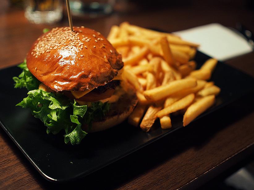 Vuokatin ravintolat, restaurant Vuokatti, burger