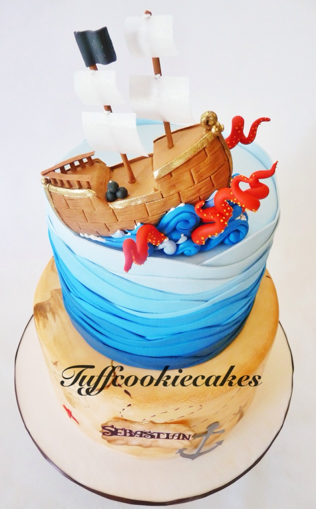 Pirate Themed Birthday Cake Loved Making The Cute Gumpast Flickr