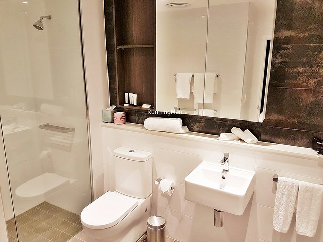 Silkari Suites Chatswood 04 - Bathroom