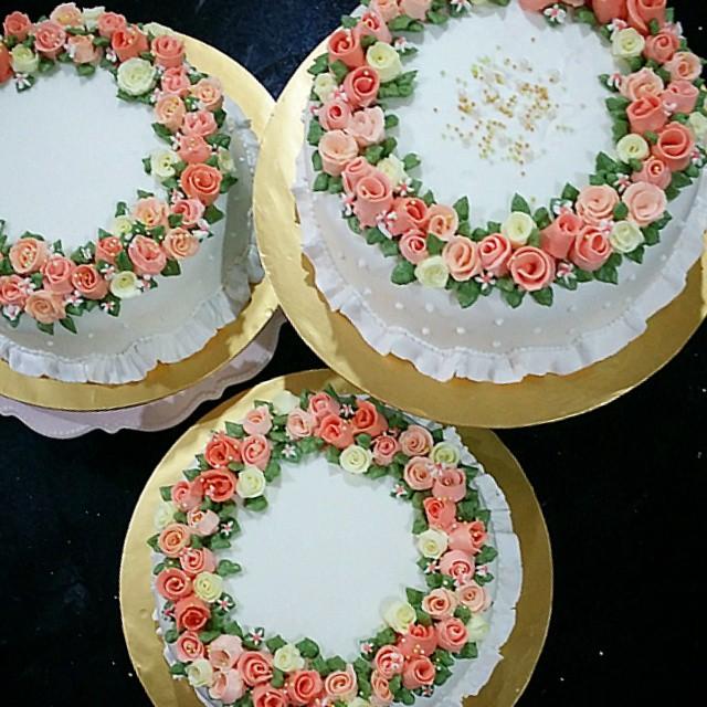 Ribbon Rose with Steam Buttercream Cake Deco cakedecorati Flickr