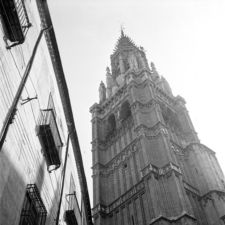 Torre de la Catedral Toledo en 1949 fotografiada por Paul Almásy © AKG Images