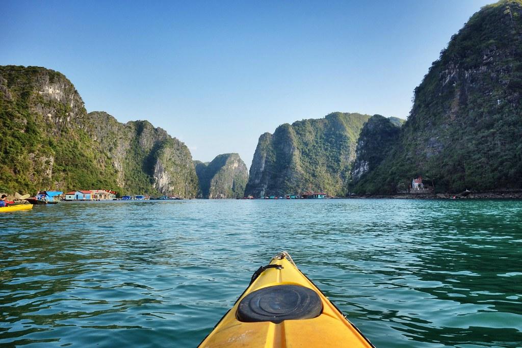Halong Bay - Kayak 4