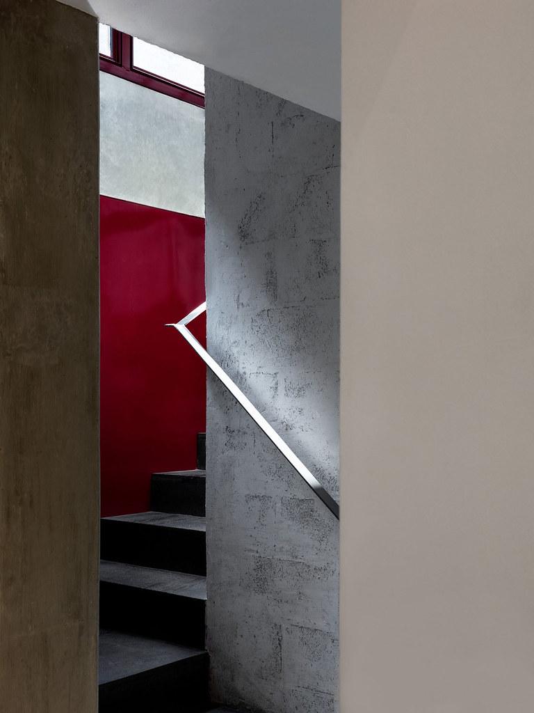 Villa renovation for Galería OMR by Mateo Riestra, José Arnaud-Bello and Max von Werz Sundeno_07