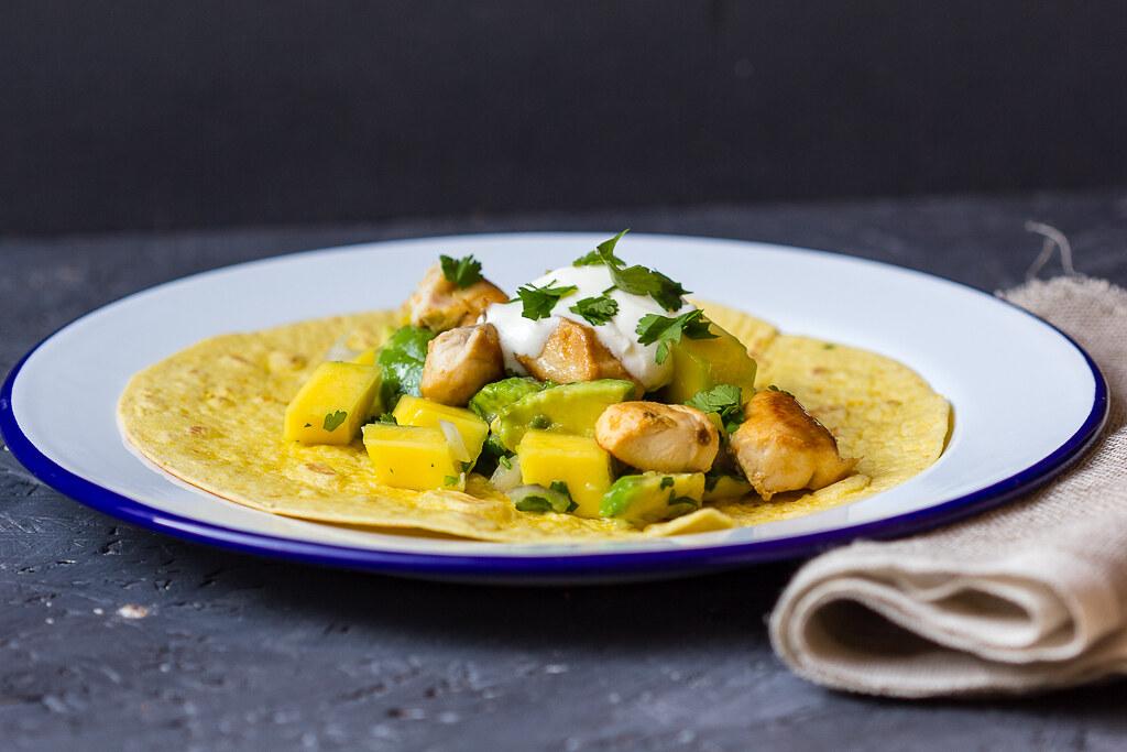 Tacos mit Hähnchen und Mango Avocadosalsa via lunchforone-3