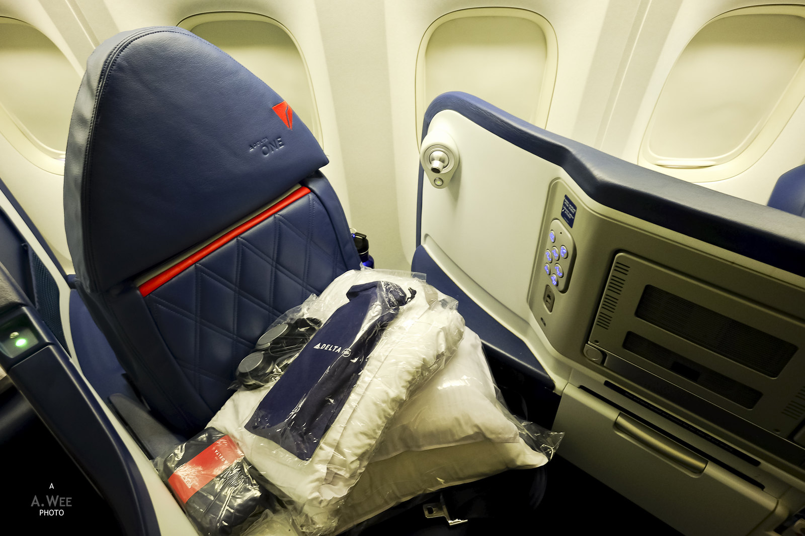 Delta One Business Class Onboard The 777 From Los Angeles