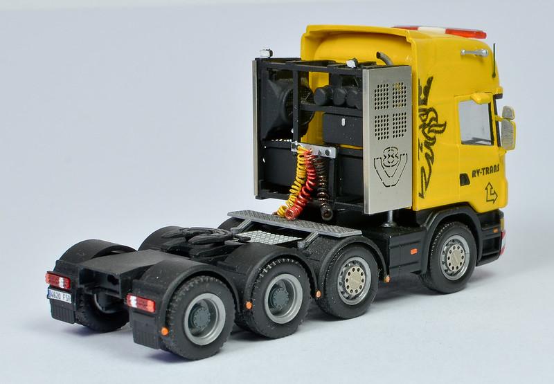 Camiones, transportes especiales y grúas de Darthrraul 33397523821_f533369831_c