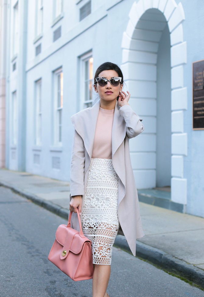 khaki trench coat pink handbag spring outfit
