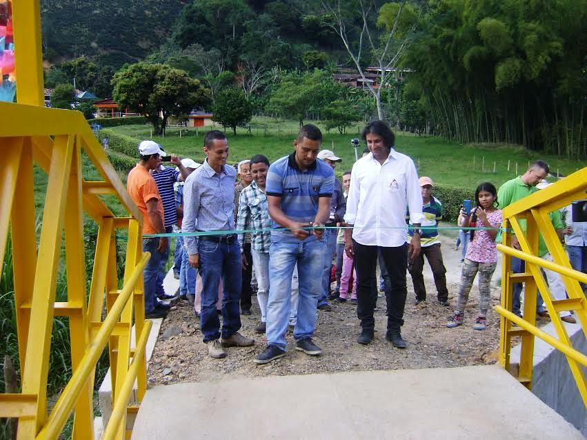 Foto noticia: nuevo puente en Betania