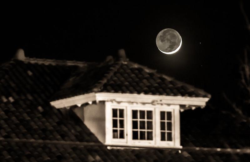 Neighborhood Moon