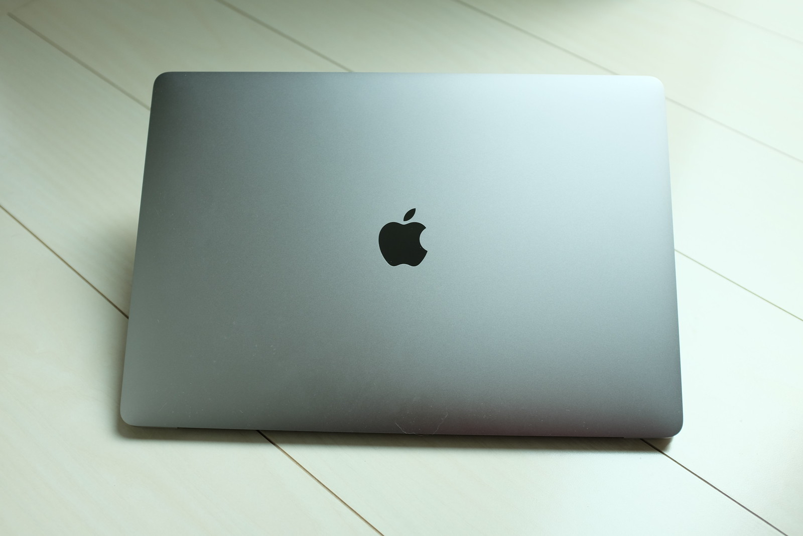 MacBook Pro (Late 2016)