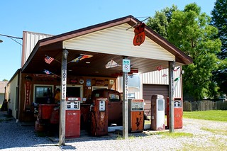Henry's Ra66it Ranch - Route 66, Staunton, Illinois | by RoadTripMemories