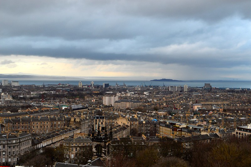 this is a picture of the edinburgh skyline