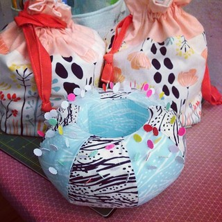 My little Meadow drawstring bags were lonely. They needed a pincushion caddy to hang out with. :) | by Penny Poppleton