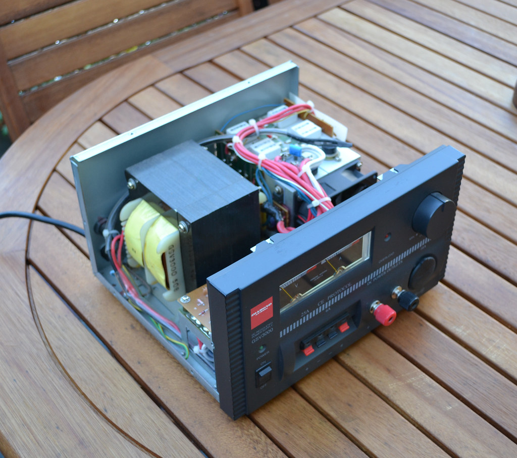 Diamond Gsv3000 Dc Regulated Linear Power Supply Having Ow Flickr By Pwllgwyngyll