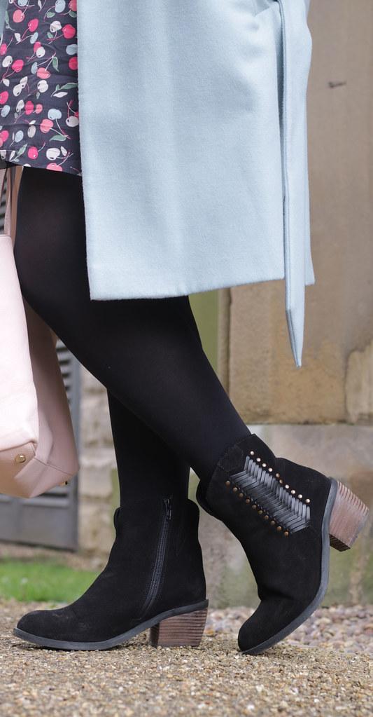 Outfit Details - Riverisland