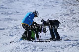 助け合い^_^ 2017スプリングキャンプ #ホワイトワールド尾瀬岩鞍 #旅館半次郎 https://www.facebook.com/hanjiroh #チューニングショップツチカマ http://www.tsuchikama.com #フォトレコ https://www.photoreco.com/tsuchikama #ski #nikon #d300