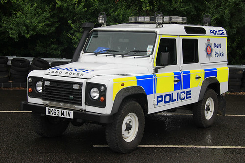 Land Rover Discovery >> Kent Police Land Rover Defender Power Station Patrol Vehic ...